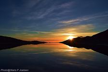 <h5>Nuuk</h5><p>Niels Joelsen Heilmann har sendt dette smukke billede, et syn som du kan opleve i Nuuk om morgenen. Copyright Niels Joelsen Heilmann</p>
