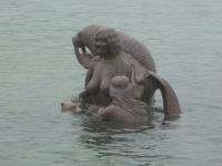 <h5>Nuuk</h5><p>Minik Hansen har taget dette smukke billede af skulpturen &quot;Havets Moder&quot; ved Kolonihavnen i Nuuk. Copyright Minik Hansen</p>