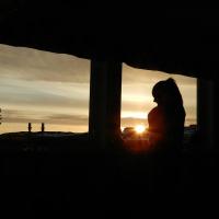 <h5>Qeqertarsuaq</h5><p>©Linda G. Ostermann. Linda har taget dette smukke billede i Qeqertarsuaq, Disko Øen. Her af hendes datter.</p>