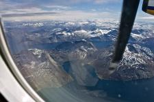 <h5>Nuuk</h5><p>© Hervé Danis. Over Nuuk fra et fly.</p>