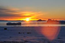 <h5>Greenland - land of beauty 2016</h5><p>Billede nr. 46:     © Thala Geraae-Nielsen.  Qeqertarsuarmi kaperlareerluni seqernup nueqqaarnerani assilisaavoq</p>