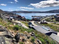 <h5>Qaqortoq</h5><p>Smukt billede ned mod havnen. © Nuka Korsgaard</p>