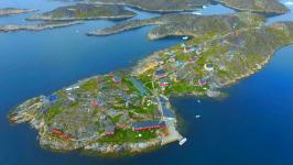 <h5>Qaqortoq</h5><p>Saarloq © Steven Bech-Bendtsen</p>